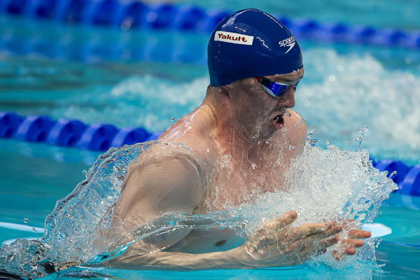 Ross Murdoch surged from lane 8 to take 100m breaststroke bronze. Pic: Simone Castrovillari